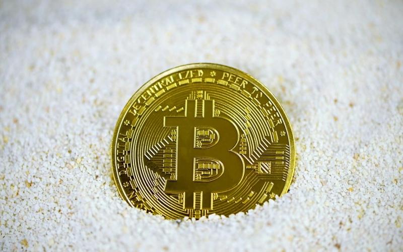 top 100 bitcoin brokers crollo dei prezzi crypto